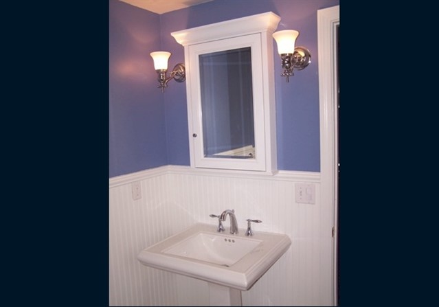 Bath 3 - New pedestal sink
